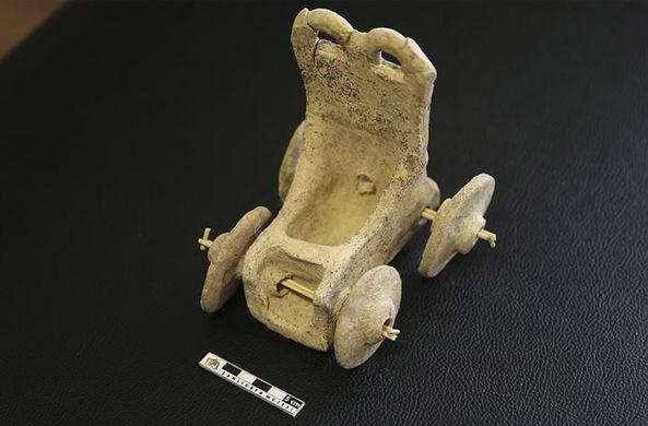 В Турции найдена детская «машинка» бронзового века