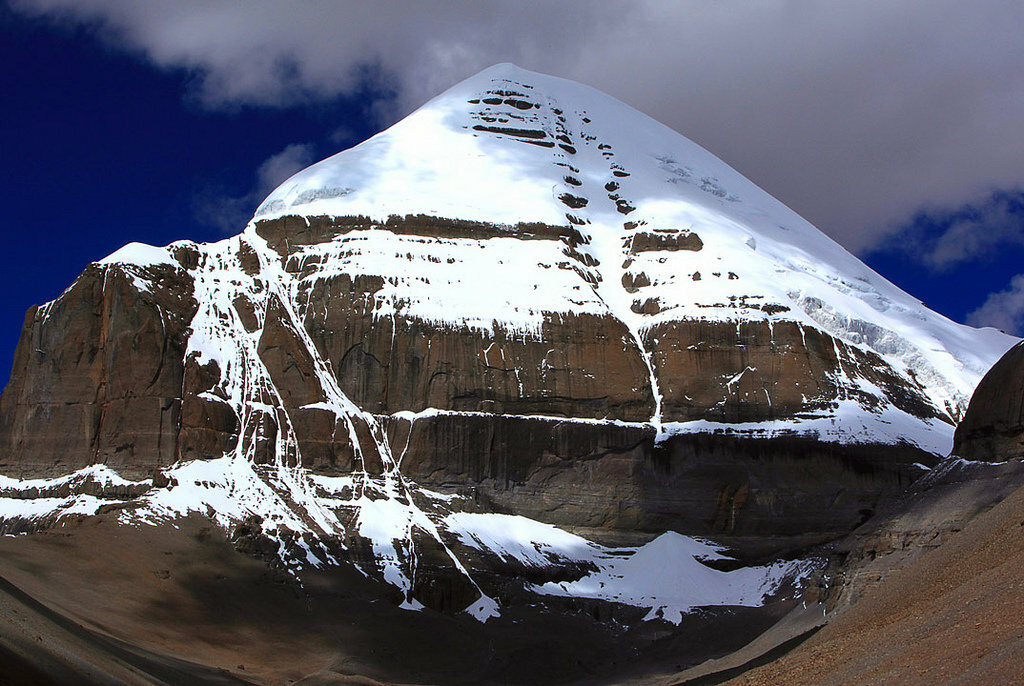 Кайлас - самая загадочная гора на планете
