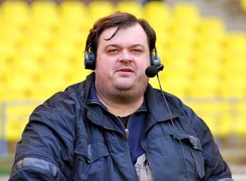 Василий Уткин комментировал один матч на ЧМ за 783 тысячи. Он решил,что это мало