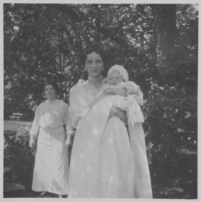 вел.кн. Ирина Александровна с дочкой