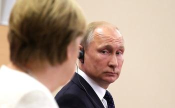 Немецкие СМИ: Путин дал понять Меркель, кто в доме хозяин