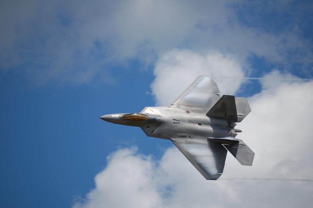 СМИ: Американские F-22 потеряли превосходство над российскими самолётами в Сирии