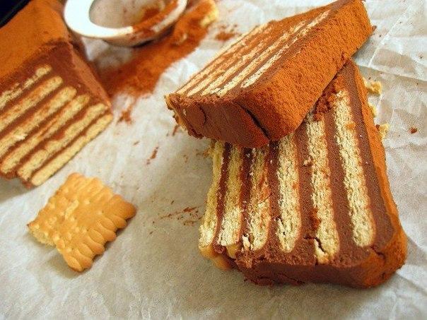 Быстрый торт для занятых хозяек из печенья с заварным кремом