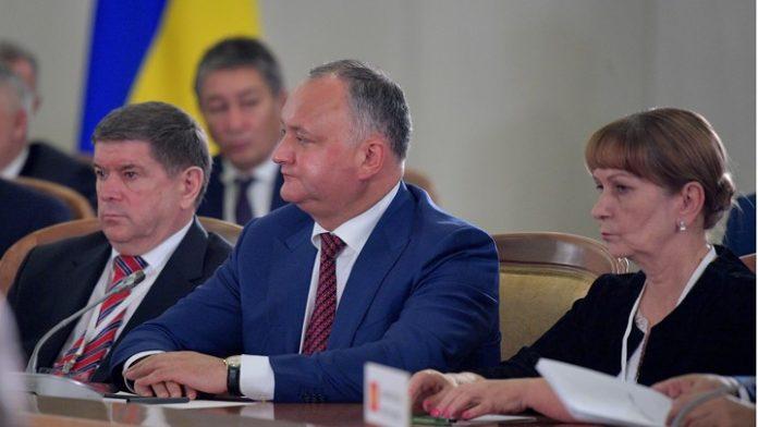 Президент Молдавии попал в Д…
