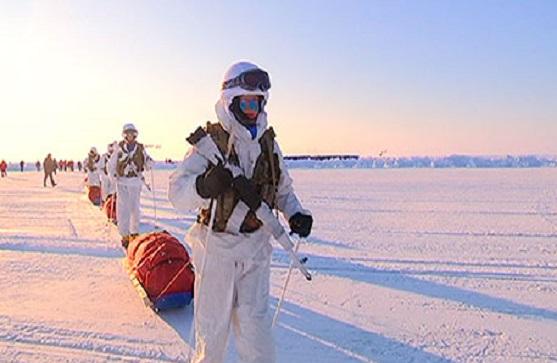 Российские ученые и военнослужащие протестировали солнечные батареи в Арктике (видео)