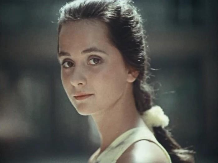 Ольга Кабо в фильме *Приморский бульвар*, 1988 | Фото: kino-teatr.ru