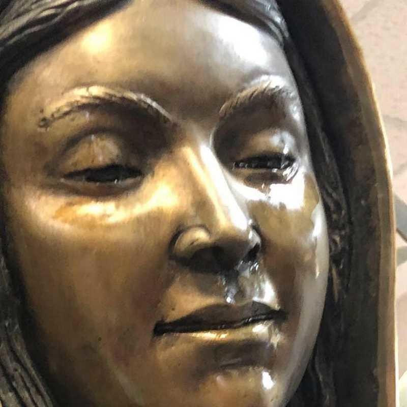 Эта статуя Девы Марии «плачет» — и вот что показал анализ слёз анализ, в мире, дева мария, слезы, статуя