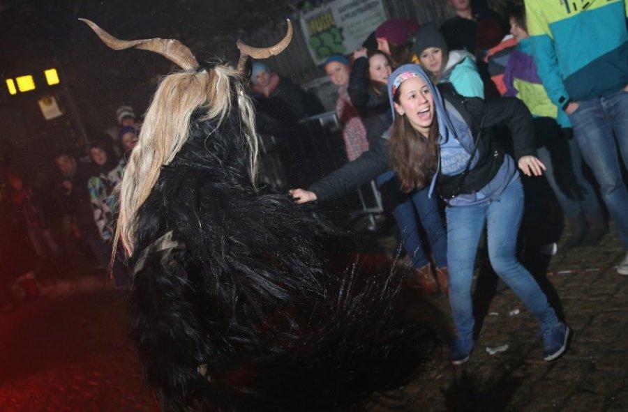 Бега ужасных Крампусов в долине Штубайталь