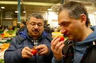 Секрет бакинских помидоров. Эксперт о том, как делать покупки на рынке