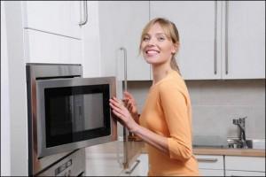 Как легко почистить микроволновку от жира.