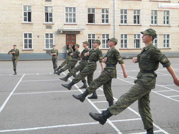 Зачем солдатам строевая подготовка