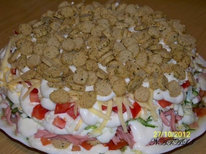 Слоёный салатик для семейных…