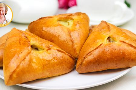 Фото к рецепту: Эчпочмаки треугольники с курицей и картошкой