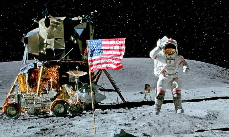 Почему Луна до сих пор не принадлежит американцам?