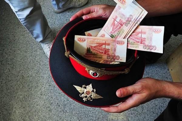 В Крыму ГИБДД-шник погорел на взятке
