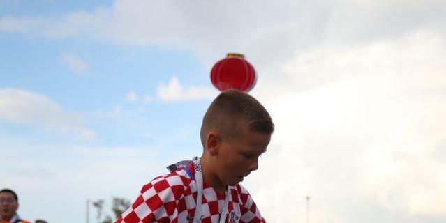 """Фанаты Англии и Хорватии идут к """"Лужникам"""" на полуфинал ЧМ-2018. Фото"""