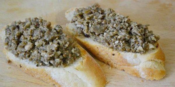 Икра из баклажанов: Икра из запечённых баклажанов с грецкими орехами