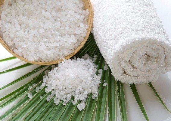 4 рецепта лечения волос солью