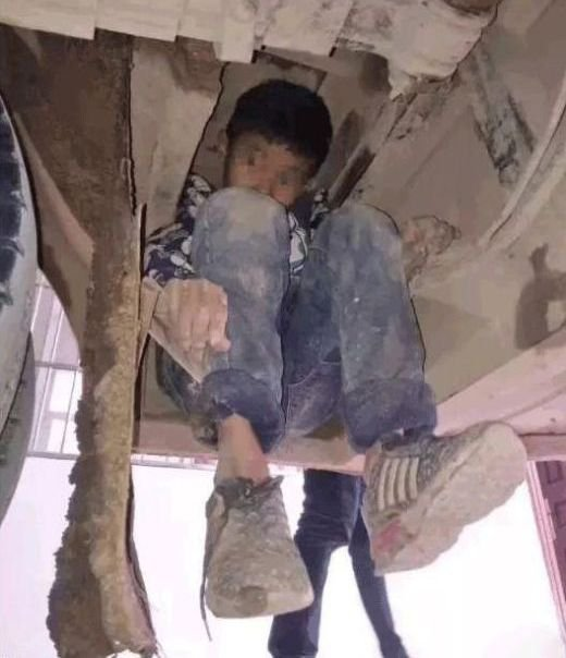 Два корейский ребенка спрята…