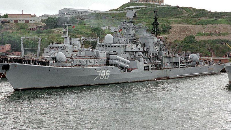 Эсминец «Быстрый» провел серию учений в Японском море
