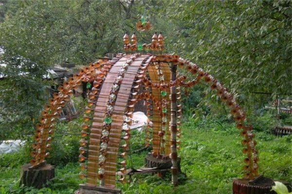 Идеи из пластиковых бутылок для дачи и сада