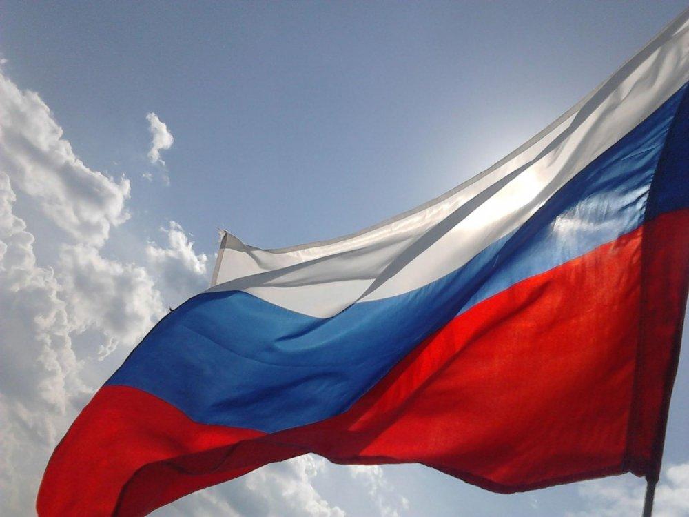 Над верховной радой поднят флаг россии: реакция сети
