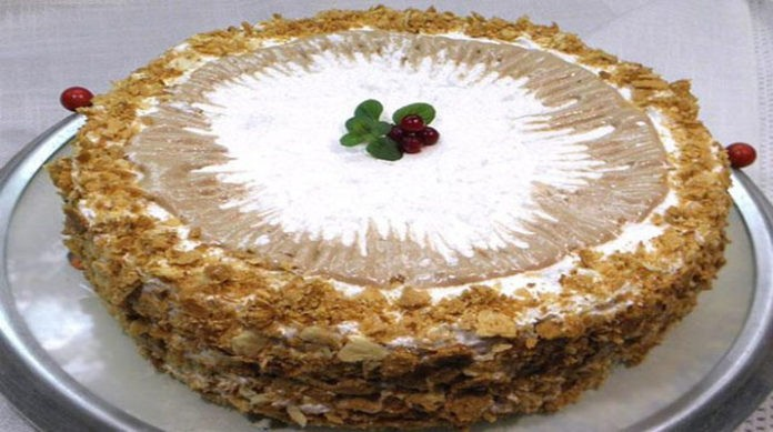 Кремлевский торт — это ну очень вкусный торт, рецепт которого незаслуженно забыт.