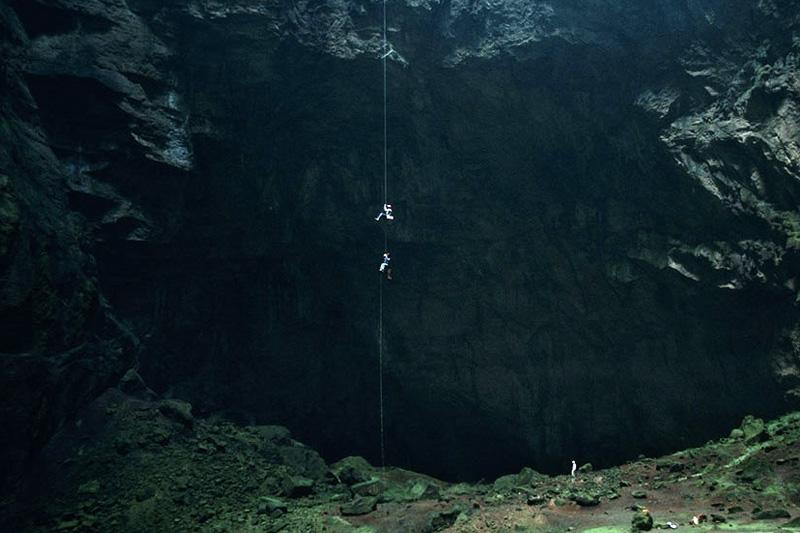 Самая глубокая пещера мира, в которой до сих пор ищут глубину