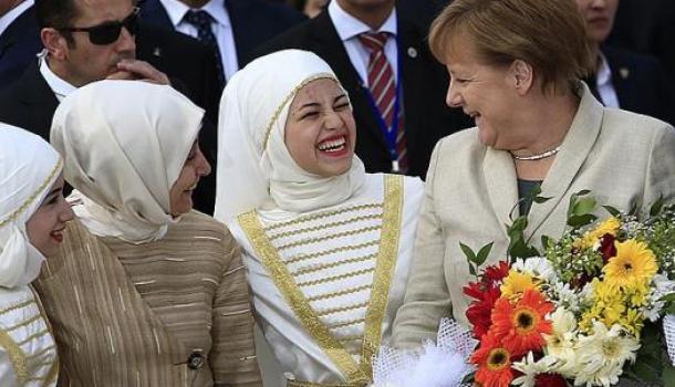 Ангела Меркель Мухаммед: В Германии мигранты назвали новорождённую дочь в честь немецкого канцлера
