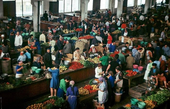 Грузинские прилавки в 70-е годы./Фото: pbs.twimg.com