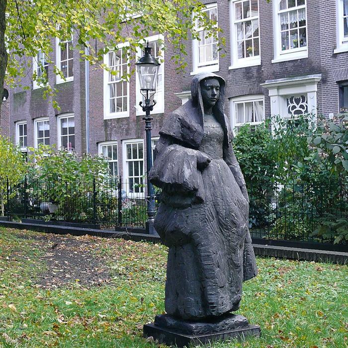 «Бегинки»: женщины, маскировавшиеся под монахинь