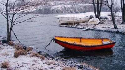 Пропавшие у побережья Камчатки мужчины вышли на связь