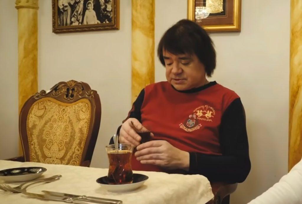 Тело Евгения Осина обнаружили в собственной квартире: в сеть попало последнее видео с его участием