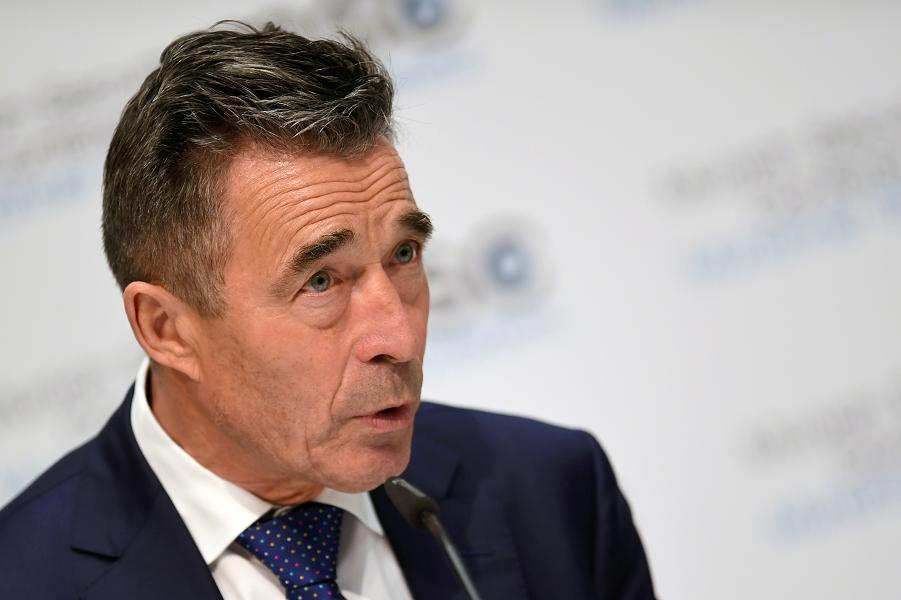 Экс-генсек НАТО  готов повторить в Беларуси