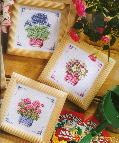 Схемы для миниатюрной вышивки крестом цветов
