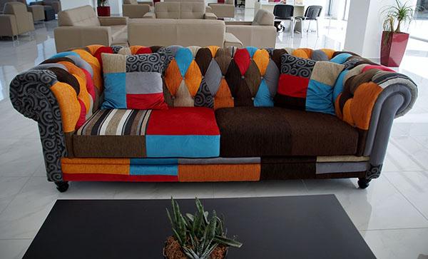 Перетяжка дивана своими руками: этапы выполнения работ в домашних условиях