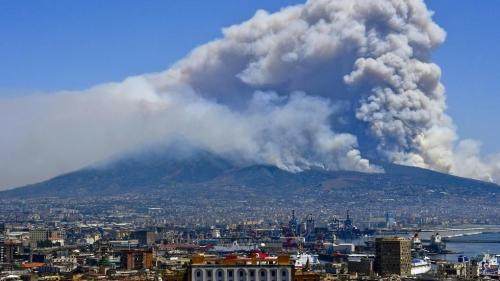 Везувий готовится к извержению. После этого Калифорния просуществует еще 3 месяца
