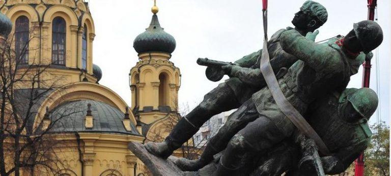 В Польше уничтожили более 300 памятников освободителям от нацизма