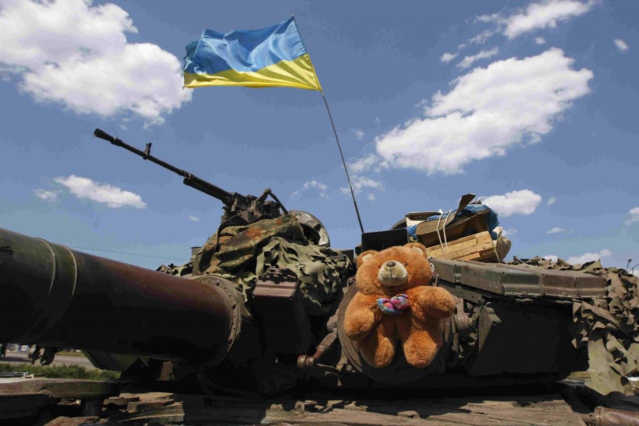 Во славу Украины. Известные артисты, которые оплачивают войну в Донбассе