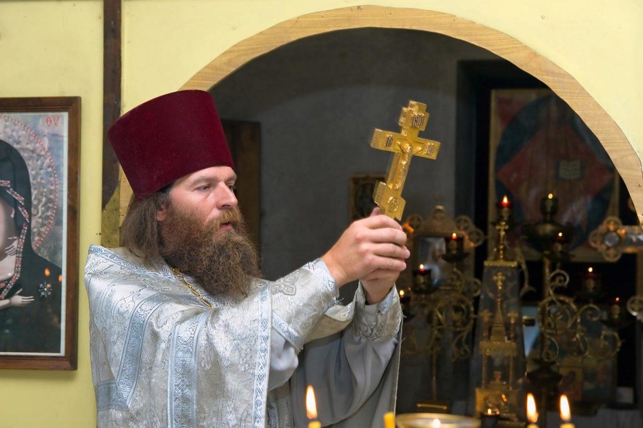 Почему только священникам ра…