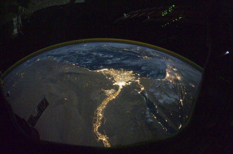 Яркие огни египетских Каира и Александрии земля, космос, красота, природа, фото