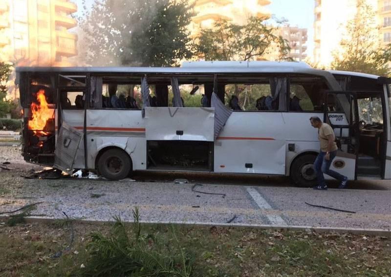 Взрыв у полицейского автобуса в Турции