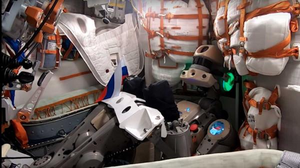 Российский робот «Федор» уле…