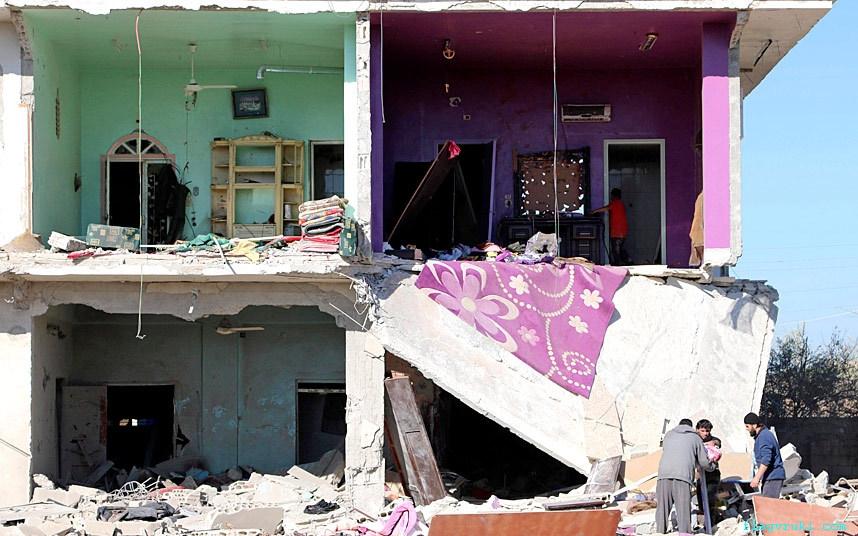 Силы, лояльные президенту Сирии Башару аль-Асаду, нанесли воздушный удар по жилым районам в сирийской деревне Сайда.