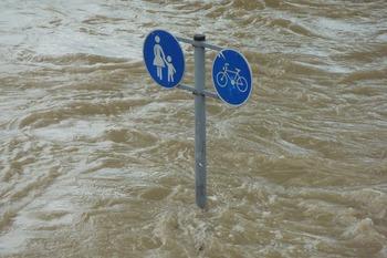 Количество жертв паводка в Италии увеличилось