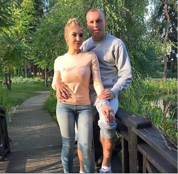 СМИ раскрыли личность любовницы Дениса Глушакова