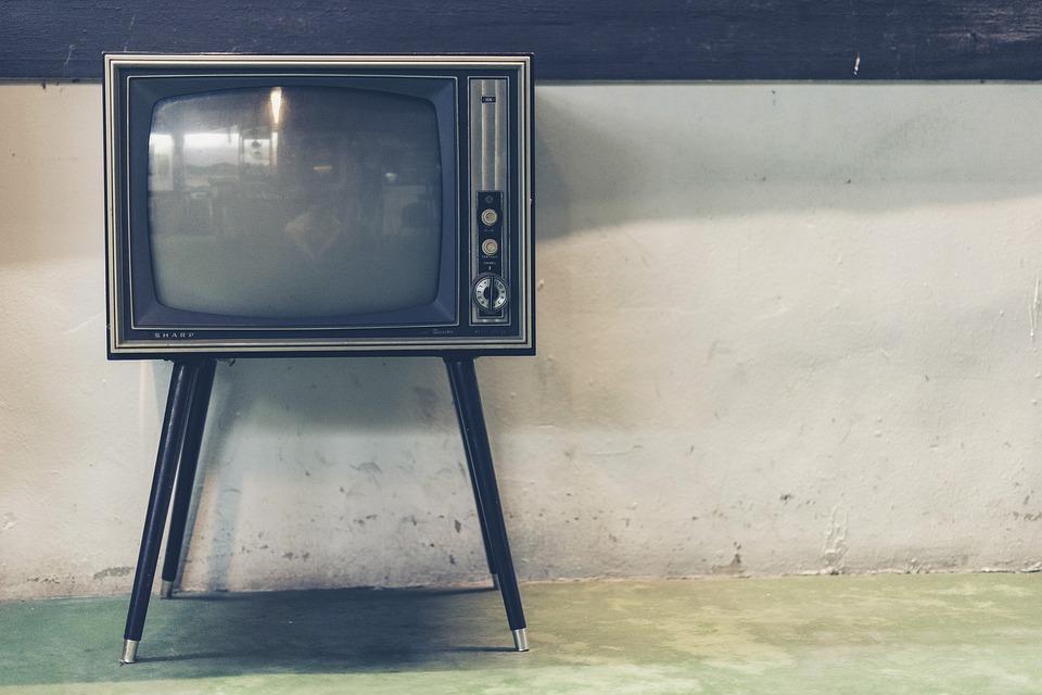 С 1884 до наших дней: история цветного телевидения