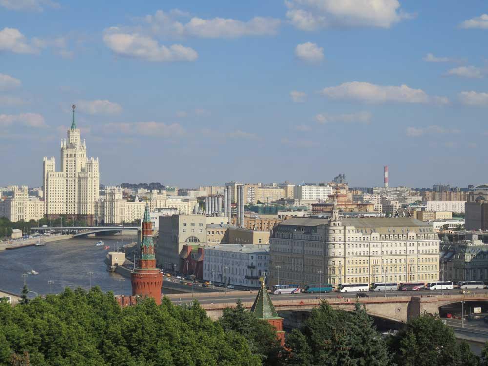 А я иду, шагаю по Москве, или О выборах, которые не нужны