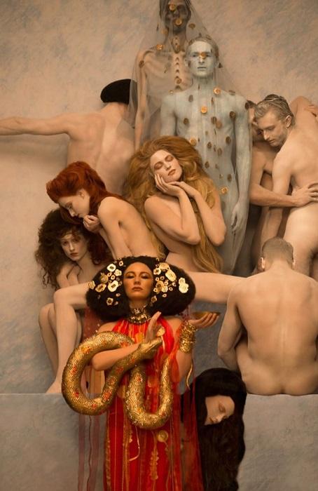 Современная интерпретация работы Густава Климта. | Фото: mymodernmet.