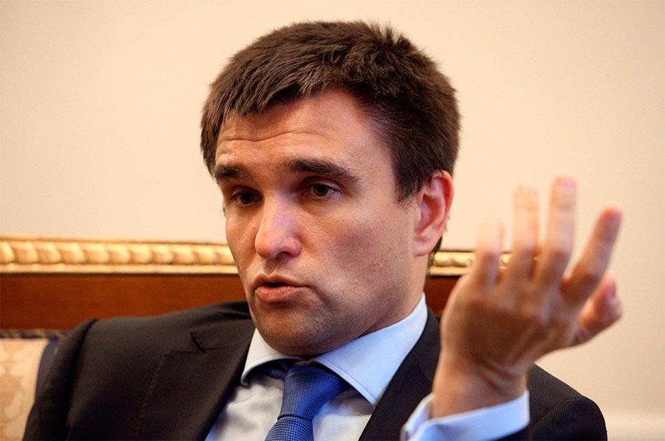 Украина опять рвется в Керче…
